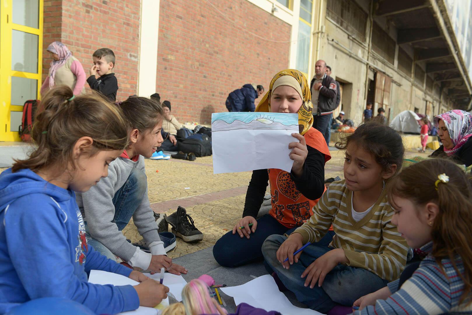 Τόπος για τους πρόσφυγες. Οι εργαζόμενοι του Δήμου Κηφισιάς ... c7258b99a53